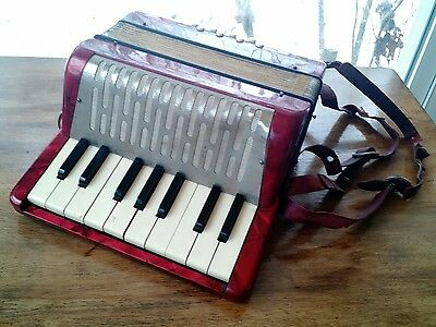 Antique Made in Germany Red Hohner Mignon 1 Small Accordion Works Great!