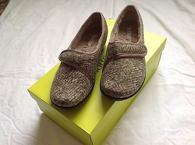 Hotter Ladies Slippers Size 4 Fleece Lined