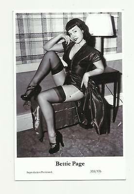 (N100) Glamour Bettie Page Swiftsure (333/376) Photo Postcard Film Star Pin Up