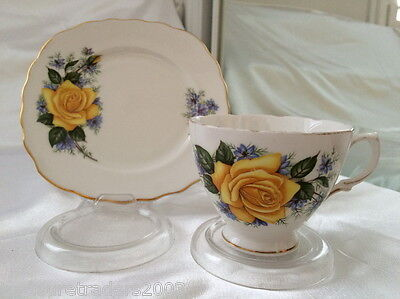 ♡ Royal Vale Duo Teacup & Side Plate 6582 Yellow Roses & Cornflowers Gold Edge