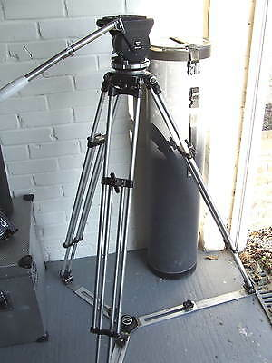 Ronford 2003 Fluid Head With Tripod And Ground Spreader  With Tube Carry Case