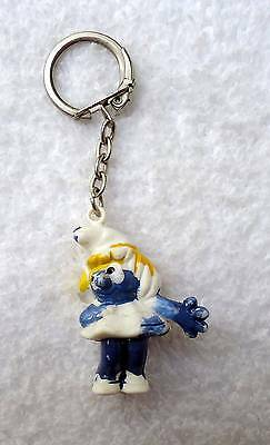 Vintage Smurf Key Chain Little Young Girl Child Blue Yellow White #1K
