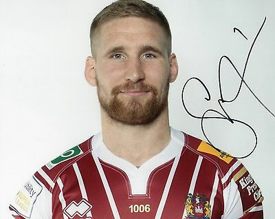 """Sam Tomkins Signed Wigan Warriors 10"""" x 8"""" Rugby League Photo."""