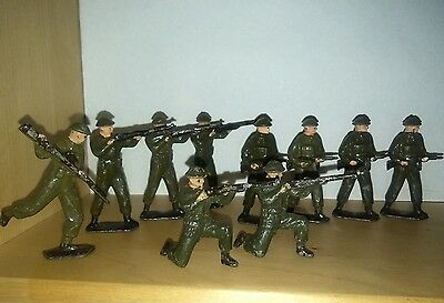 BRITAINS set 1898 British infantry with rifles and Tommy guns LEAD figures .
