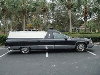 1993 Cadillac Fleetwood hearse 1993 Cadillac Fleetwood Hearse Flower Car Combination Limo Body Style RARE !
