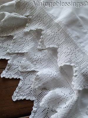 Lovely! Vintage Leaf Crochet Lace White Cotton Pillowcase Pair EXCELLENT