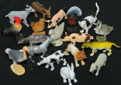 8 small Toy Farm Animal Play Figures including pig hen duck goat cat dog*  G54