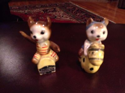 Vintage Milwaukee Wisconsin  Salt and Pepper Shakers