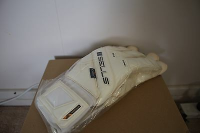 Sells Total Contact Breeze size 10.5 goalkeeper gloves