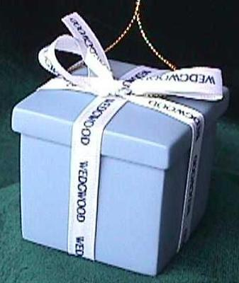 WEDGWOOD Classic Blue Usable GIFT BOX Ornament! Retired! MADE IN USA!  NIB!