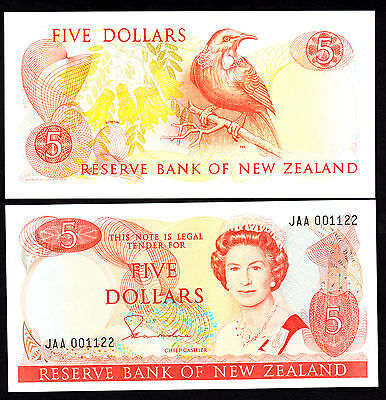 New Zealand $5 5 Dollars  Hardie Type II (1981-1985) P. 171a  UNC 1st Prefix JAA