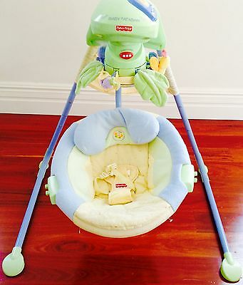 Fisher Price - 2 Direction Automatic Musical Cradle Swing / Rocker (Lenny Lamb)