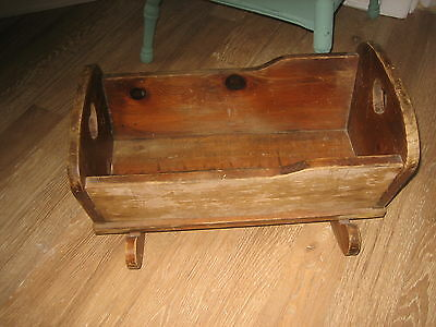 vintage wood rocking baby cradle!, Old! Great to use, or Photography ! Display!