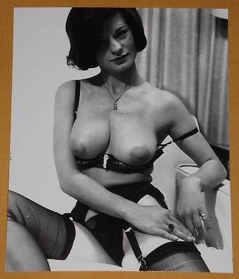 Nice Busty 1960s Nude Pinup Model Vintage Photo T55
