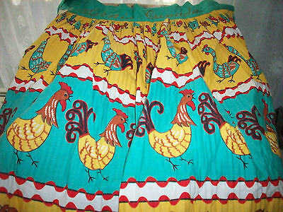 Vintage Pleated  ROOSTERS CHICKS Kitschy Apron Sarnia Canada RETRO EUC