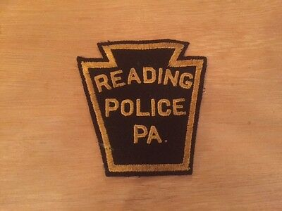 Reading (Berks Co.) PA Pennsylvania Police Dept - obsolete rare patch USA