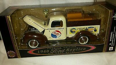 Vintage Pepsi Cola Collectible Golden Wheel '40 Ford Bank, Scale 1:18