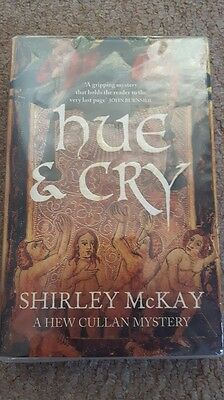 BN Hue and Cry: A Hew Cullen Mystery by Shirley McKay Paperback Book - FREE POST