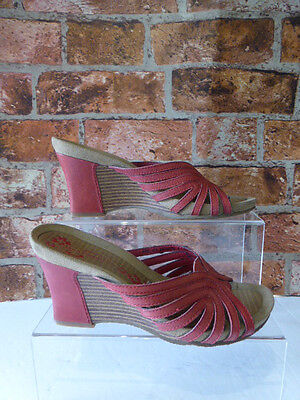 Hush Puppies Red Enchanted Leather Slip On Wedge Sandals Size 5  July19Oo