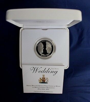 "2011 Silver Proof £5 Crown coin ""Royal Wedding"" in Case with COA  (X7/14)"