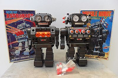 Rare Pair New Astronaut & Missile Robot by SH Horikawa Made Japan 1960s Box