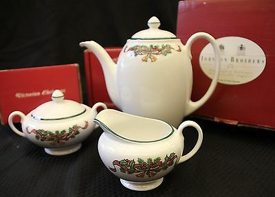 Johnson Brothers Wedgwood Victorian Christmas Gift 3pc Coffee Set Boxed