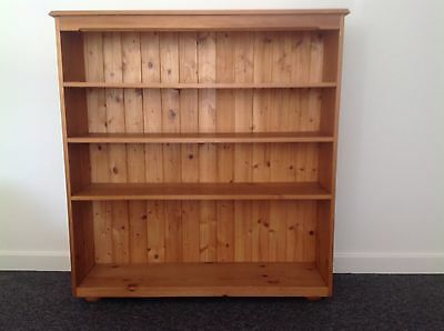 Solid Wooden Pine bookcase - 3 shelves