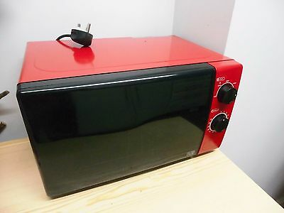 Red and black microwave, 700w, Argos