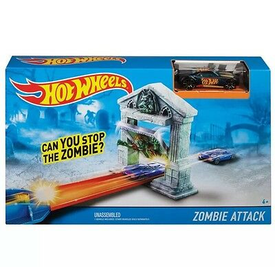 Hot Wheels Track & Car Set ZOMBIE ATTACK Racing Track Builder