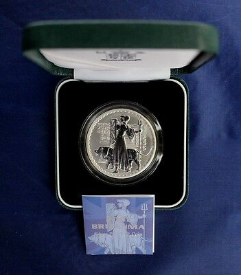 2001 Royal Mint 1oz Silver Proof Britannia £2 coin in Case with COA   (Y3/15)