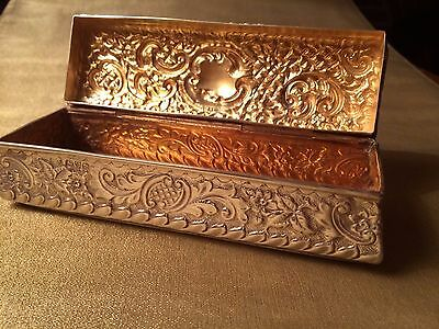 Lovely Victorian Antique Sterling Silver Snuff / Trinket / Pen Box. Chester 1900