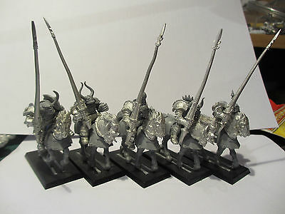 Games Workshop Warhammer Chaos Knights Mounted x5