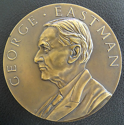 EASTMAN KODAK COMPANY. 25 YEARS SEVICE MEDAL. By PINCHES Of LONDON.