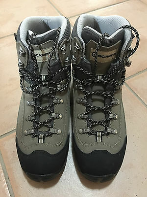 SCARPA KAILASH GORETEX MENS WATERPROOF HIKING BOOTS - NEW (Model 67030) - US9 BX