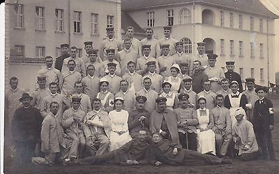 """WW1 """" Wounded  Foreign Soldiers , Nurses , Outside Hospital """"  unused card"""
