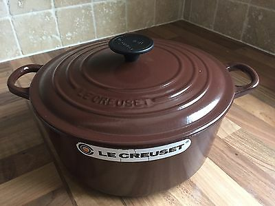 Le Crueset Cast Iron 24cm Casserole With Lid Used Once