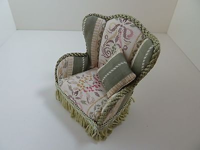 Dolls House Miniature 1:12 Scale Lounge Furniture Green Patterned Fabric Chair