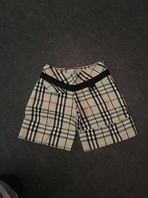 Short Bermuda BURBERRY Taille 6 Ans