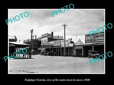 OLD LARGE HISTORIC PHOTO OF TRAFALGAR VICTORIA, THE MAIN St & STORES c1930