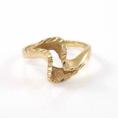 Solid 14K Yellow Gold Diamond Cut Wavy Band Ring Size 4.25