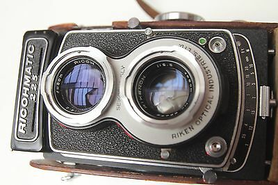 Richo Richomatic 225 medium format camera TLR rare with original leather case
