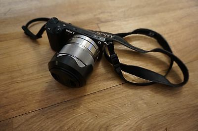Sony NEX-5R Compact Mirrorless Digital Camera with 18-55mm lens with WiFi