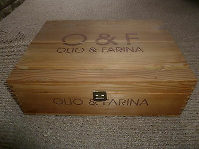 Olio and Farina wooden food box with closure rustic