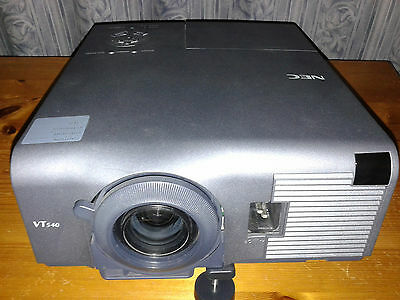 NEC MultiSync VT540K XGA PROJECTOR + Case and mouse Remote - ONLY 76 hours used