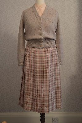 Vintage pink checked pleated skirt by Slimma size 10 mint condition
