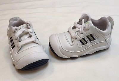Stride Rite Infant/Toddler White Leather Lace Up Sneakers Size 2 XW Extra Wide