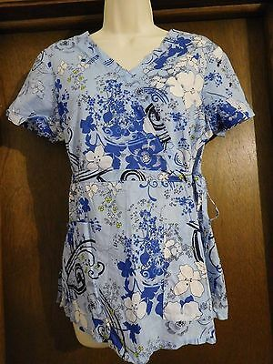 EUC Koi Blue Floral Scrub Top sz Medium