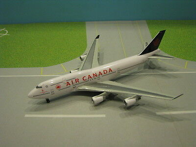 "Air Canada ""team Canada 2001"" 747-400 1:400 Scale Diecast Metal Model"