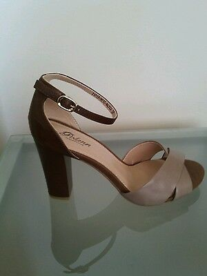 Women's new beige brown dress shoes sandals high heels ankle strap size 9