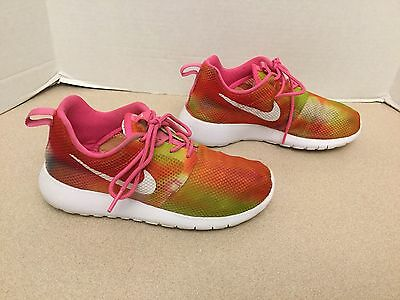 Youth Girls Nike Roshe Run Flight Weight GS Shoes. Size 3Y. Good Condition!!!